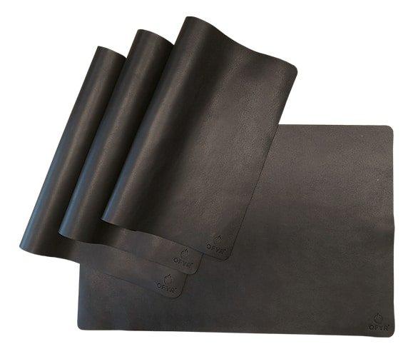 Mantel de cuero negro Ofyr